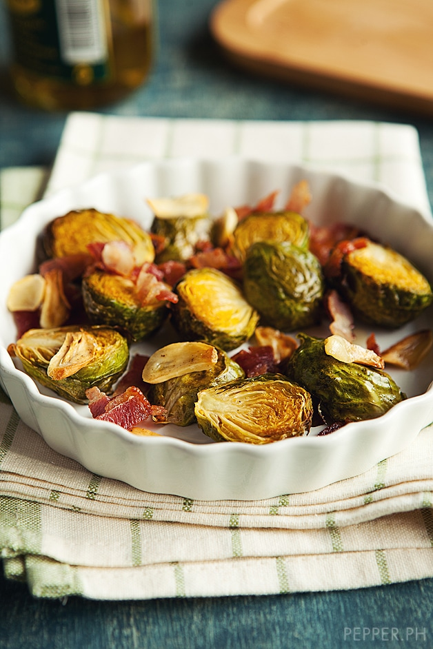 Coño Kitchen: Roasted Brussels Sprouts with Bacon and Garlic