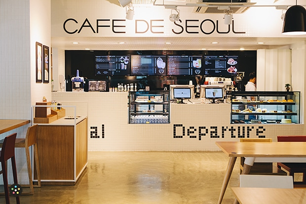 Cafe de Seoul Interior1 upload